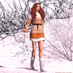 MOLiCHiNO_HolidaySweater_Orange